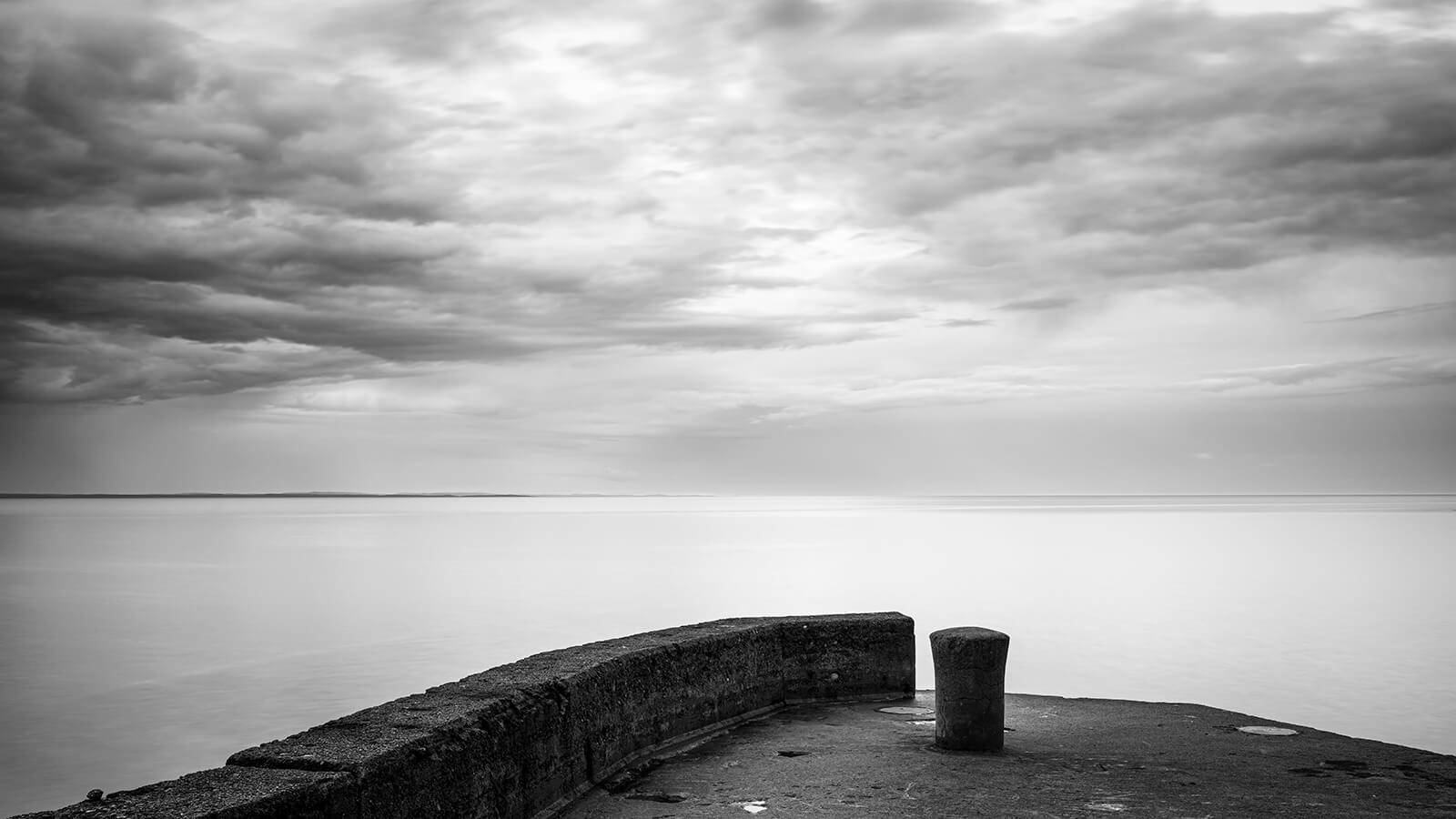 Seaside - Piear in mono by Joakim Jormelin